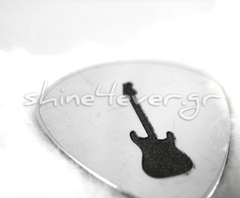 Guitar_pick_slid